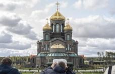 Az 1956-os forradalom leverésének is hőstettként állít emléket a legújabb orosz katedrális