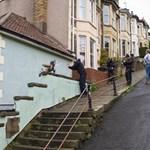 Banksy egy repülő műfogsorral lepte meg a bristoliakat