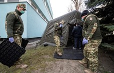 Katonai sátrat építettek a Heim Pál kórháznál is