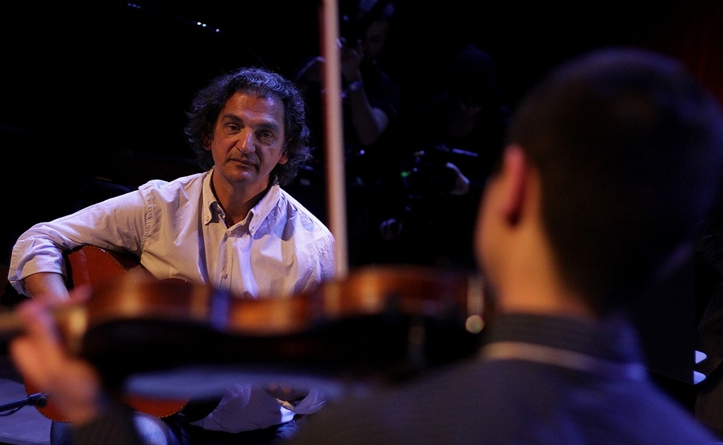 Snétberger nagyítás - Snétberger Ferenc - Koncert a MÜPÁban, a Snétberger Tehetségkutató Központ végzőseivel