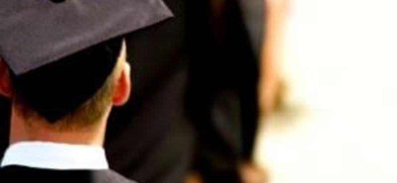 Eladó szakdolgozatok: mennyibe kerül a diploma?