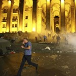 A parlamenti összecsapás után gyorsan mélyül a grúz belpolitikai válság