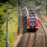 Indul az EU-n belüli ingyenvonatozás, 300 magyar kaphat bérletet