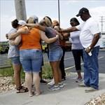 100 millió dolláros kártérítést követel két áldozat családja a kacsahajó-tragédiáért
