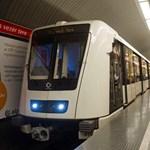 Fotó: már robog a föld alatt az első új metrókocsi