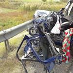 Fotók jöttek a szörnyű abonyi baleset helyszínéről