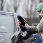 Mint a McDrive-ban: már autóban ülve is tesztelik koronavírusra a németeket