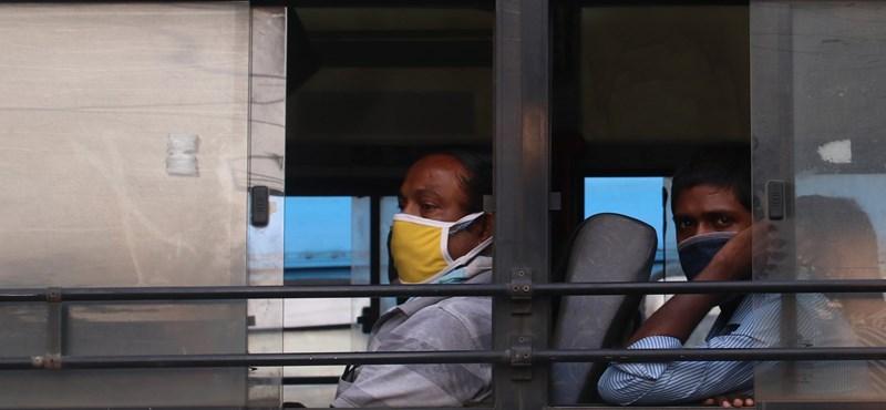 Hatalmas tempóban terjed a koronavírus Indiában