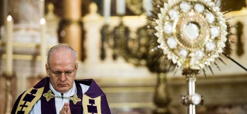 Nem tartanak több nyilvános misét Magyarországon a koronavírus miatt