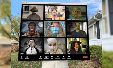 Idén még a Halloween is más: Zoom jelmezben hódít egy kislány