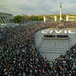 Itt az újabb tízezres tüntetés képekben