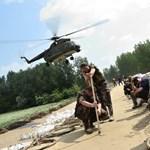 Munka a legkritikusabb árvízi területen – Nagyítás-fotógaléria