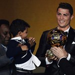 Videó: sírva köszönte meg Ronaldo az Aranylabdát
