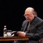 Orbánék kitüntethetik Kertész Imrét augusztus 20-án