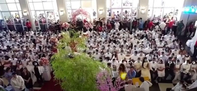 Maszkban tartott tömegesküvőt 220 pár a Fülöp-szigeteken - videó