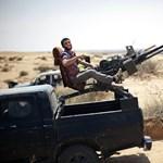 Líbiai felkelők leleménye: harci szekerek, tűzszerszámok - Nagyítás-fotógaléria
