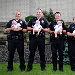 Cuki: egyszerre született nyolc baba egy amerikai rendőrőrsön