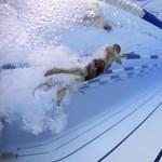 Ez a nap videója: ilyen az igazi távtesi - úszásoktatás otthonról