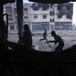 Ismét egymásra támadtak a felkelők és Kadhafi hívei Tripoliban