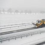 Hat megyében okoz gondot a hófúvás