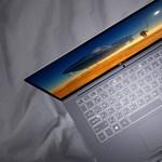 Itt a laptop, amely 17 órán át bírja egy feltöltéssel