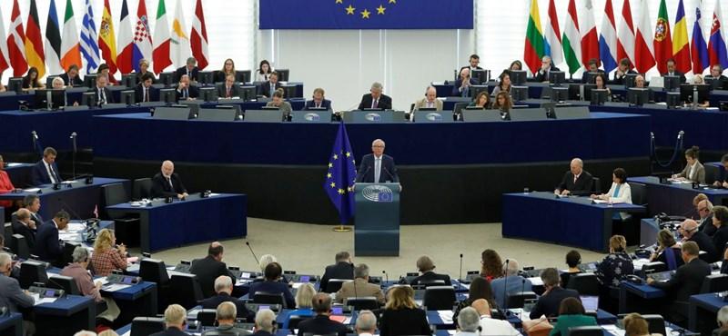 Kétharmados többséggel szavazta meg az EP a Sargentini-jelentést