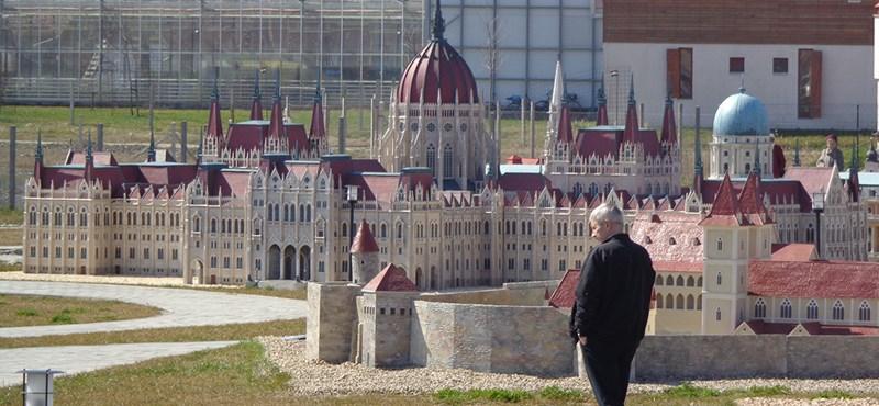 A Hír TV-alapító kis Nagy-Magyarországot épített