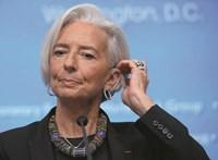 Legalább az egyik csúcsvezető legyen nő az EU-ban