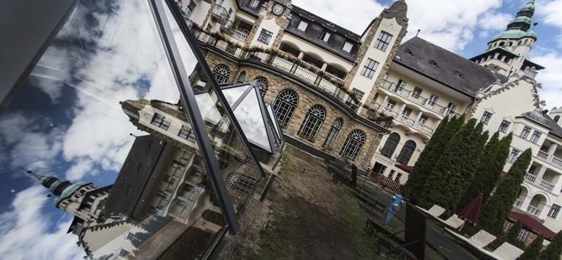 Nem kell több vendég Mészárosnak ahhoz, hogy újabb milliárdokat keressen a szállodáival