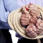 A svájci bank tehetetlen csaló brókereivel szemben