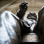 Eltűnik a Közgáz aulájából a Marx-szobor