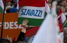 Csökkent a Fidesz támogatottsága, erősödik a Momentum