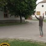 Hazaengedték azt fehértói férfit, akinél egy rakás fegyvert találtak a rendőrök