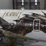 Fotók: Tolkien-hőssel borították be a hatalmas Boeinget
