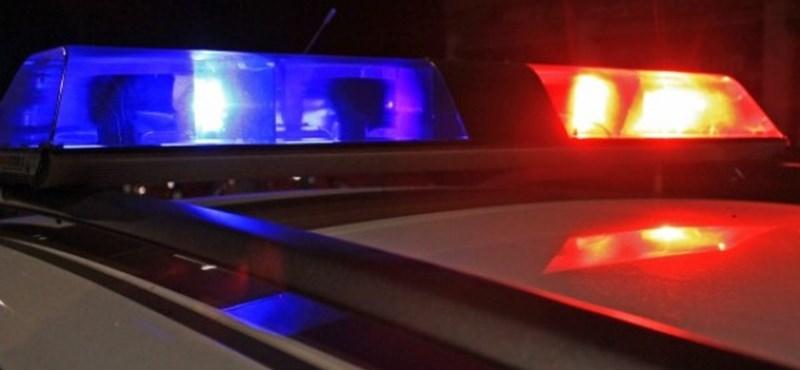 Egy kislány is meghalt, amikor Facebook live-ozás közben karambolozott egy autós