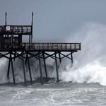 """Amerikai trópusi vihar: """"A legrosszabb még csak most következik"""""""