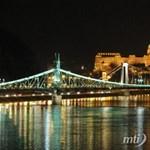 Plázahíd lesz a Petőfi és a Lágymányosi híd között?
