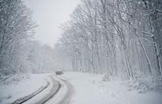 Hó borítja az országot, a rendőrség és a katasztrófavédelem is óvatosságra int