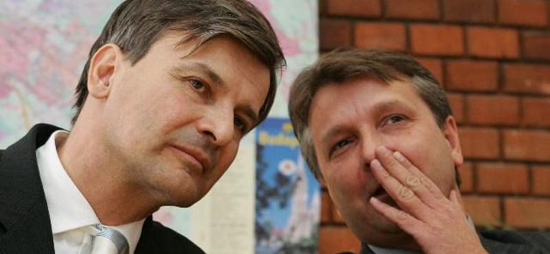 Felmentették az MSZP-s és SZDSZ-es városvezetőket a hivatali visszaélés vádja alól