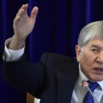 Elfogták a volt kirgiz elnököt, akit tüntetők szabadítottak ki a börtönből néhány napja
