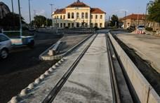 Lázár János kilobbizta, hogy újabb milliárdokat költhessenek a tram-trainre