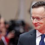 Politico: Szijjártó Péter egy nem létező migrációs terv ellen küzd
