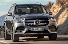 500+ lóerős új Mercedes SUV jött hazánkba, amire felvehető a 7 üléses támogatás