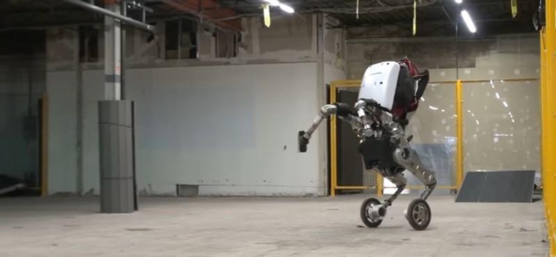 Egyre rémisztőbb robotokkal paráztat a Google – videó