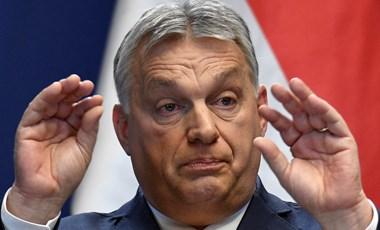 Mindenki szeretné már tudni, hogy Orbán felfelé vagy lefelé fordítja-e a hüvelykujját