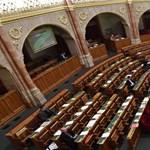 2 nap, 28 javaslat, aztán befejezi az idei évre az Országgyűlés
