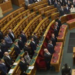 Tudni akarja, milyen az új parlament? Amint távozott Orbán, minden álca leomlott