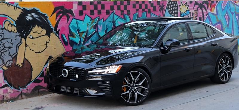 Volvo S60 menetpróba: vezettük a svédek 400+ lóerős hibrid szedánját
