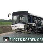 Előzés közben csapódott a buszba egy terepjáró