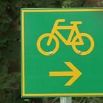 Életveszélyes megoldással zártak le egy bicikliutat